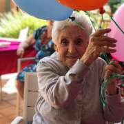 Braye Park and Waratah residents enjoying a morning tea